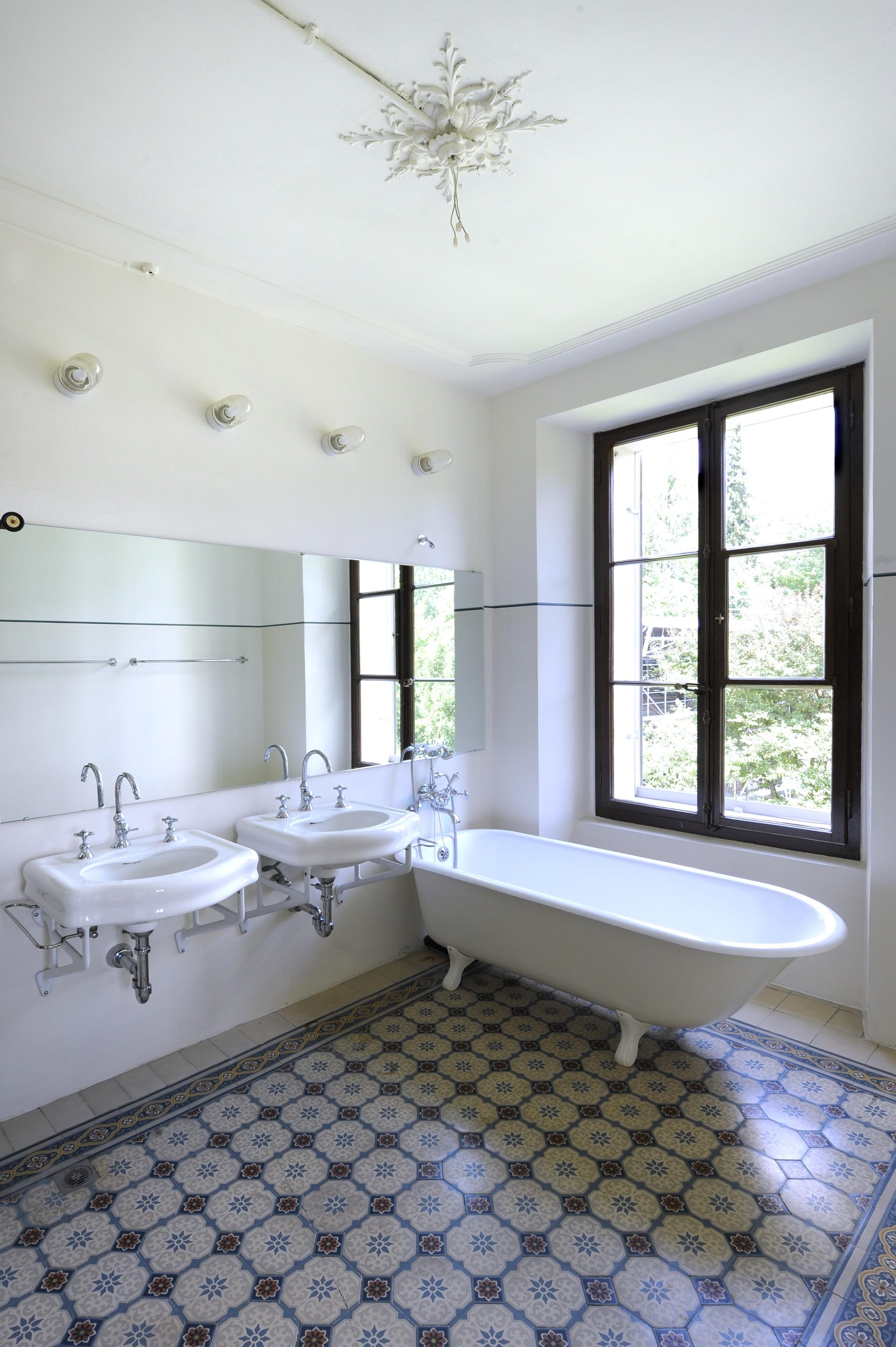 auszeichnung f r sanfte restaurierung und umbau villa favorita in biel erh lt den denkmalpreis. Black Bedroom Furniture Sets. Home Design Ideas